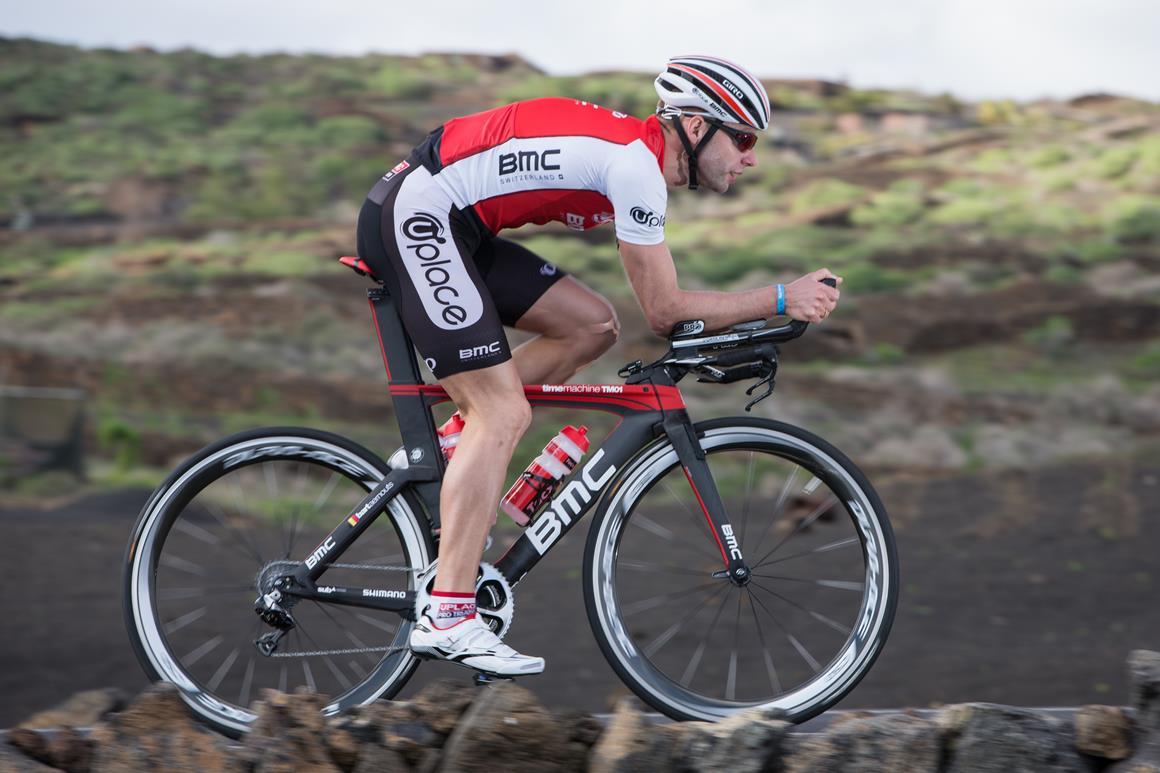 Bart Aernouts na podium w zawodach Ironman 70.3 South Africa