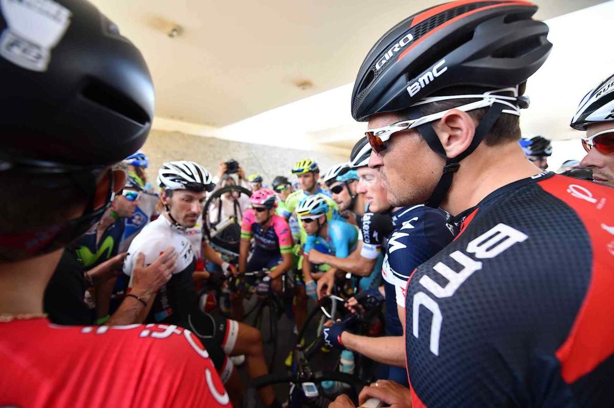 Tour of Oman, etap V: Burza piaskowa uniemożliwiła jazdę