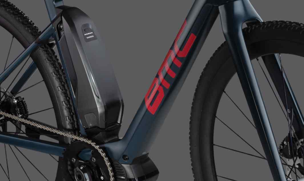 Center-mount Battery The central battery position creates a low center of gravity that neutralizes the dynamic influence of the additional battery weight.   The result is a natural ride feel and the sharp, responsive handling for which our bikes are known.
