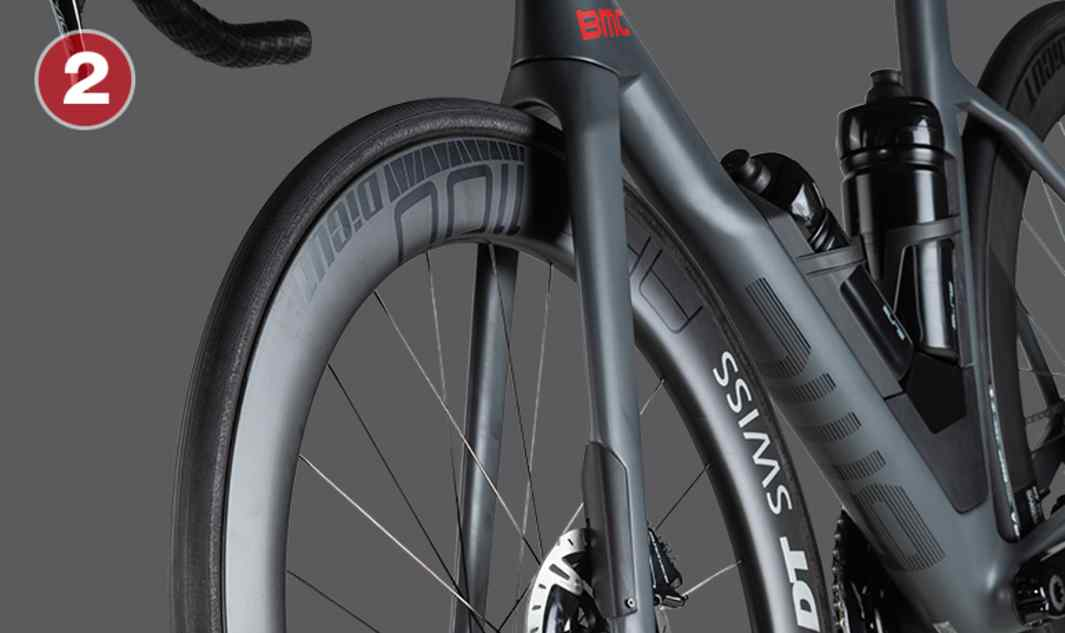TCC Speed fork  The narrow fork blades reduce aero drag and provide vertical compliance to filter-out vibrations and road imperfections at high speeds. Clearance for 28mm tires provides freedom of choice.