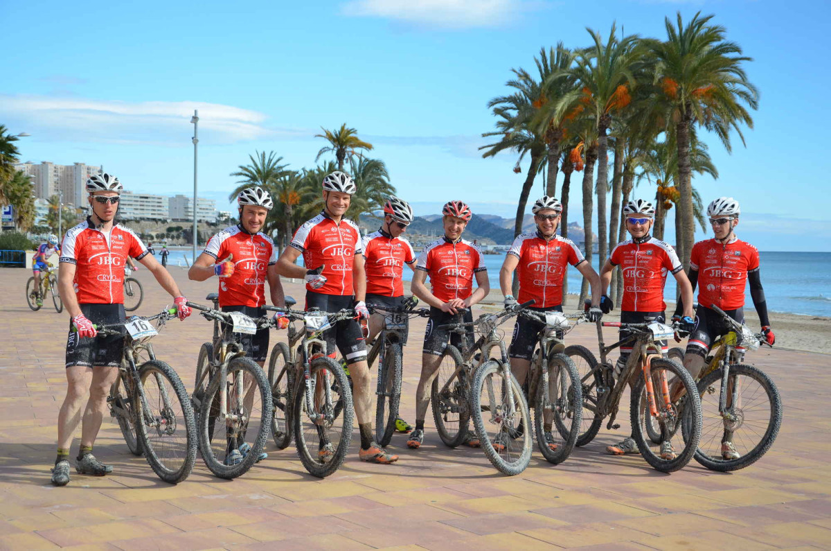 Kolarze JBG2 na podium Costa Blanca Bike Race