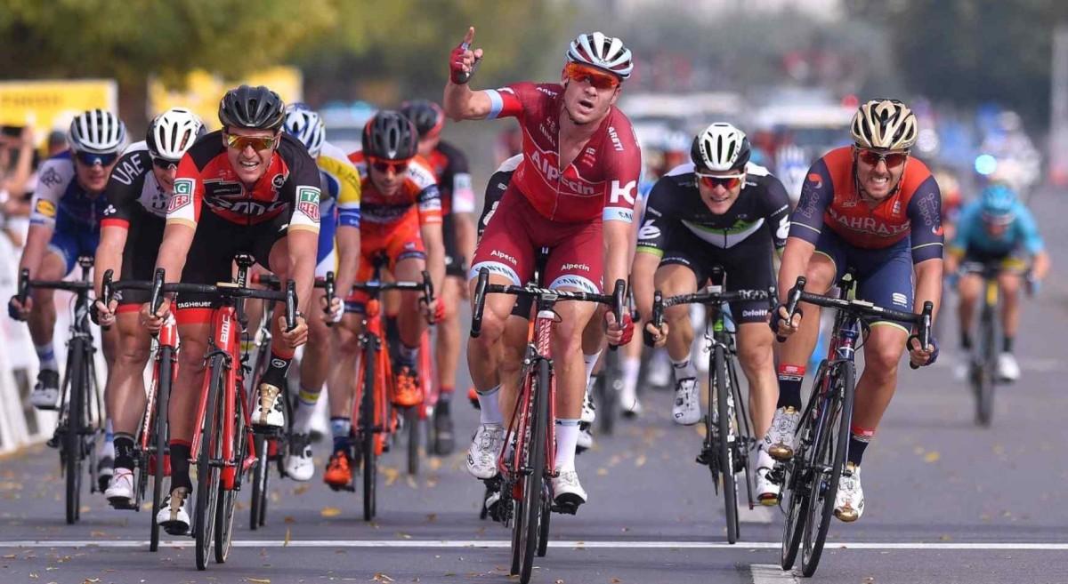 Tour of Oman, etap IV: Van Avermaet na podium, Hermans liderem