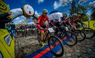 Kolarze JBG2 z kolejnymi sukcesami 01 (fot. viennalifemaraton.pl Szymon Gruchalski)