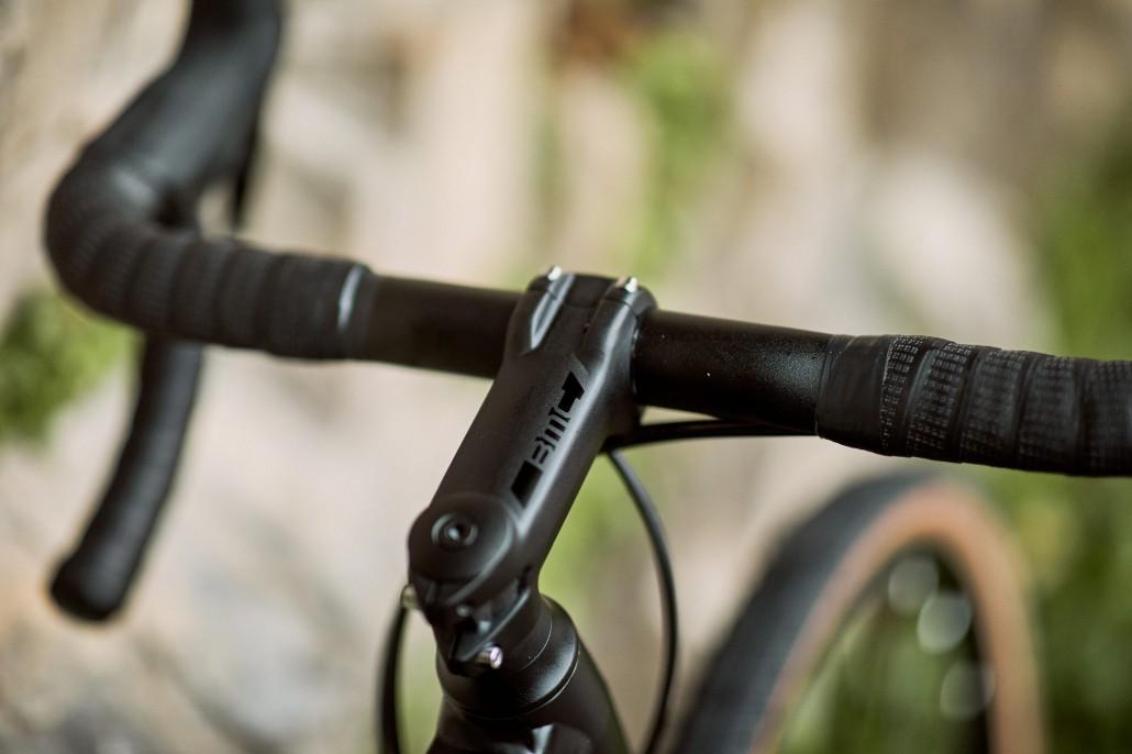 Rower szosowy BMC Roadmachine X 06 (fot. BMC Switzerland)