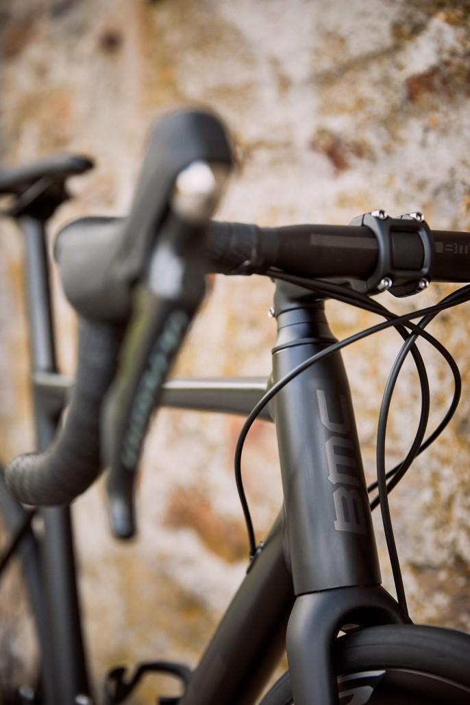 Rower szosowy BMC Teammachine ALR DISC ONE 09 (fot. BMC Switzerland)