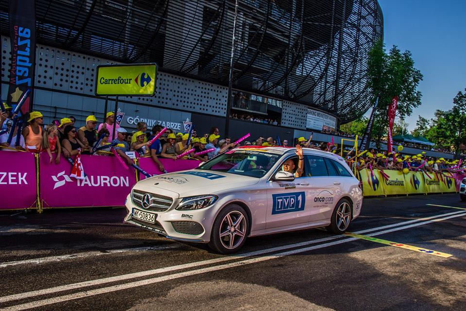 Przejazd w samochodowej kolumnie reklamowej Tour de Pologne