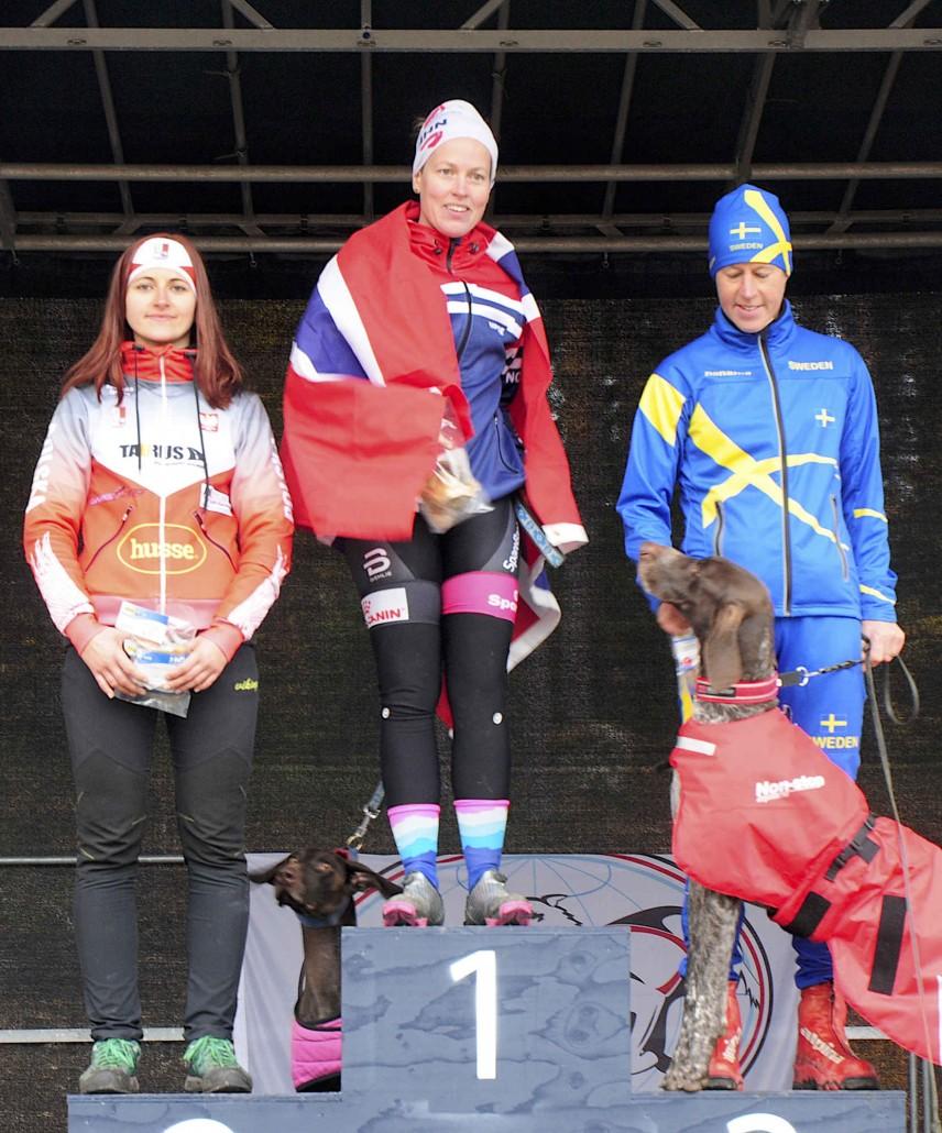Agnieszka Jarecka ze srebrnym medalem mistrzostw Europy w bikejoringu 2018 03