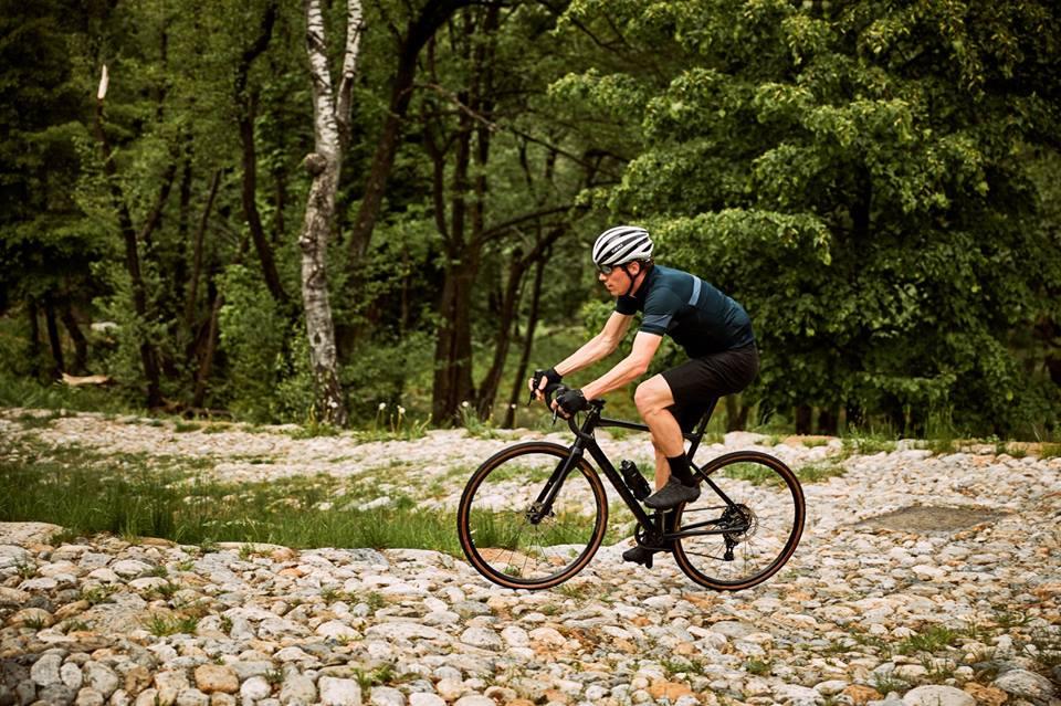 BMC Roadmachine X – szybki i wszechstronny rower szosowy